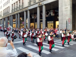 One of several marching bands I passed on via Roma.