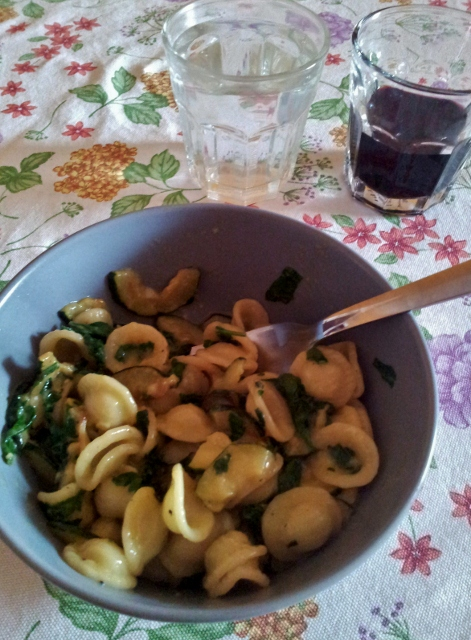 Orecchiette with zucchini and parsley