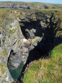Hole in the cliffs
