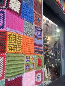 Shop front with knitted decoration